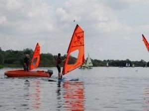 Youth Windsurfing. RYA Stage 2 (8-16 yrs)